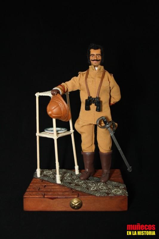 CAPITÁN DE ARTILLERÍA EN UNIFORME DE VERANO CON SALACOT, PLAZAS AFRICANAS 1906 – Figura articulada Escala 1/10 madelman custom